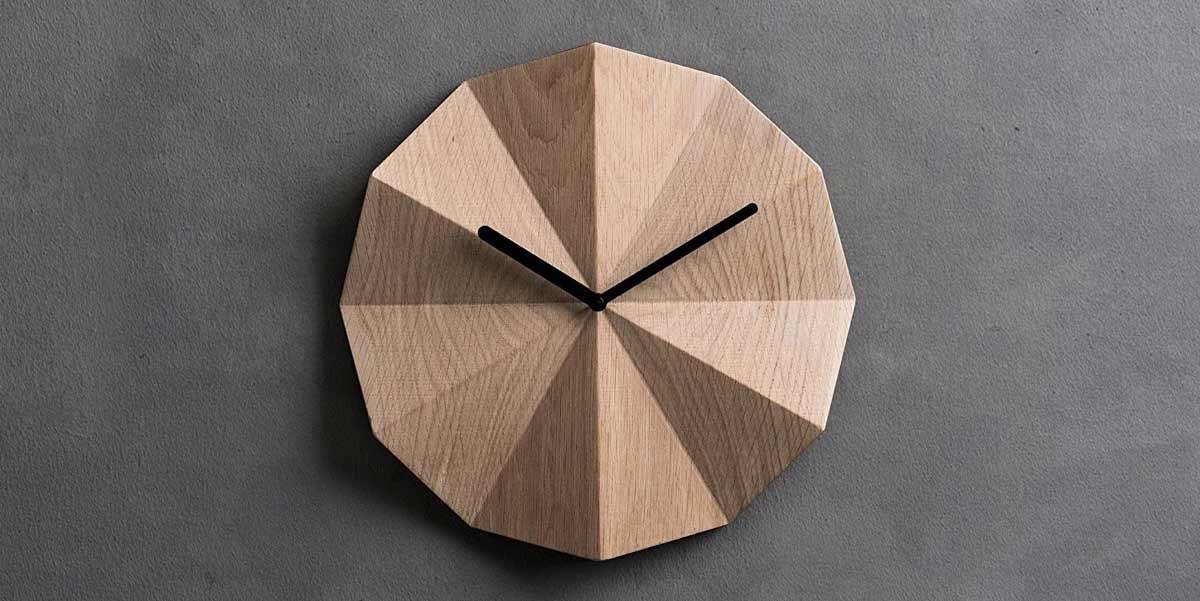 نحوه انتخاب ساعت دیواری چوبی مناسب برای خانه خود