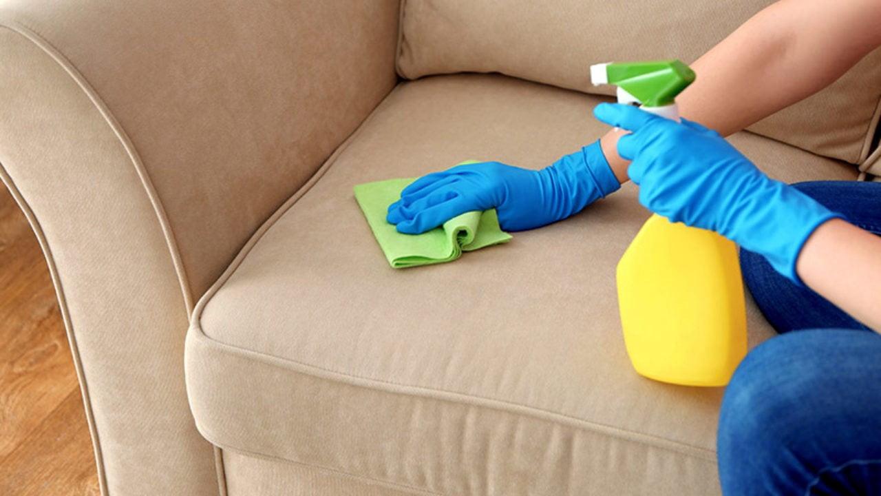تمیز کردن مبل مخمل با سرکه سفید