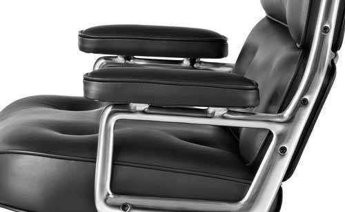 توجه به جنس روکش صندلی مدیریت